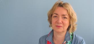 The radiation expert Elisabeth Cardis receives the medal 'Chernobyl, 30 years'