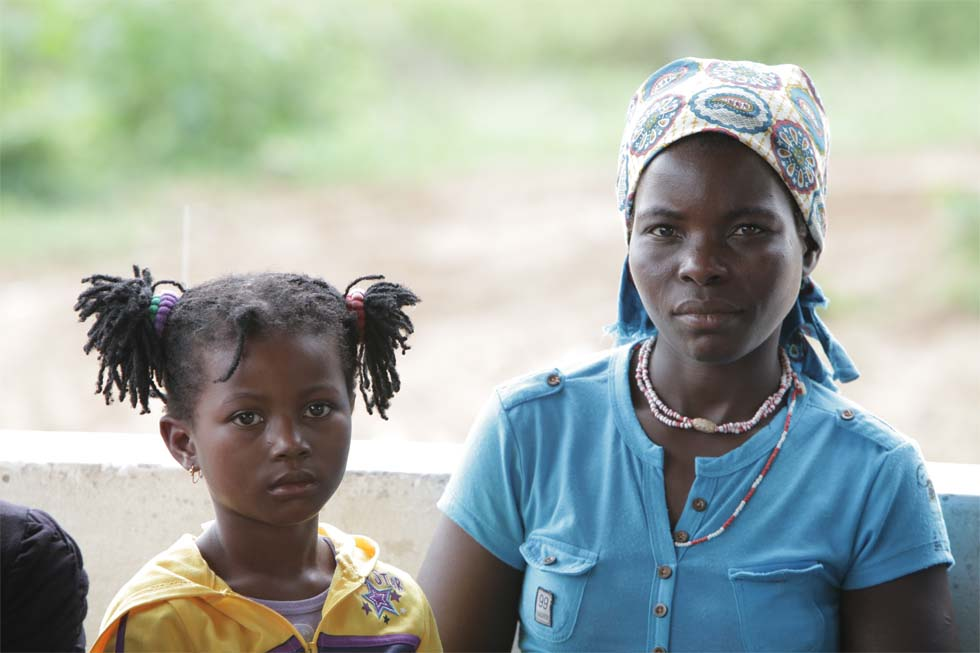 Mother and daughter in Manhiça (Mozambique)